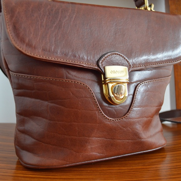 b56dd1d60258 OROTON Signature Leather Crossbody Purse Bag. M 5b47c52aa31c3334d9f514b9